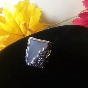 Lois Hill mother of pearl ring